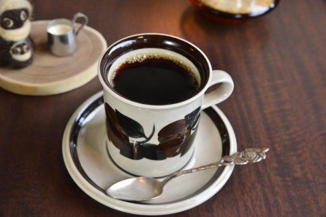 名窯『アラビア社』のカップで頂く贅沢なコーヒーはいかが? ―安堵珈琲店