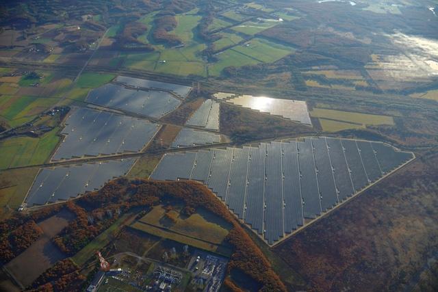 日本最大級の太陽光発電始動!メガソーラーのまち安平町の取り組みとは