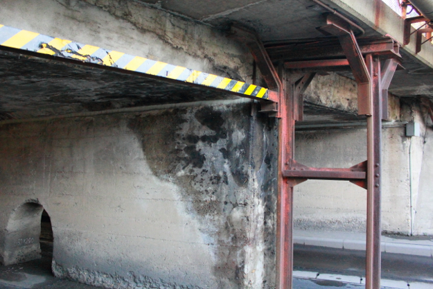 交通量が多いのに狭く低く暗く危険で怖い「お化けトンネル」が函館にある