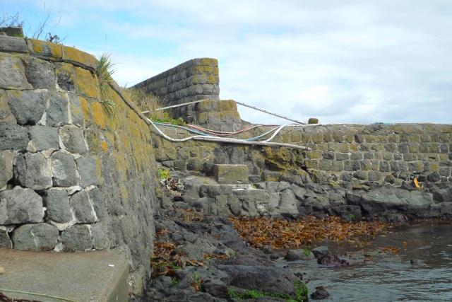 利尻島に残る100年前の産業遺産「袋澗」―状態が良く今も現役