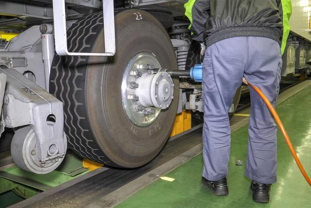 札幌の地下鉄はなぜタイヤなの?どんなタイヤなの?疑問を徹底解明!