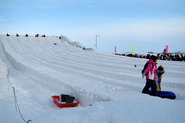 「第64回さっぽろ雪まつり」雪像発表! プロジェクションマッピングは世界初