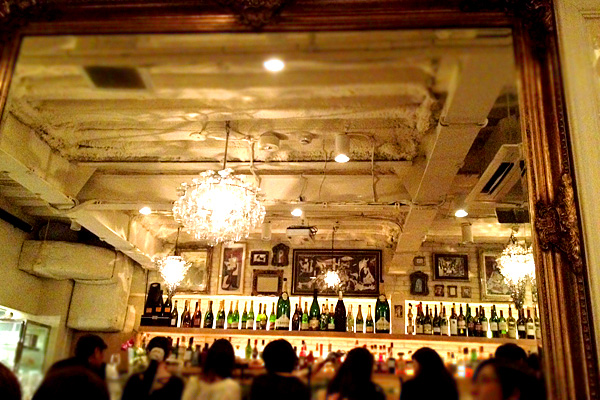 日本一高い天井のフロアが、札幌のバー「アペリティフ」にあった!
