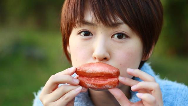 見た目はタラコでも中身は和菓子!岩内にタラコそっくり菓子あらわる