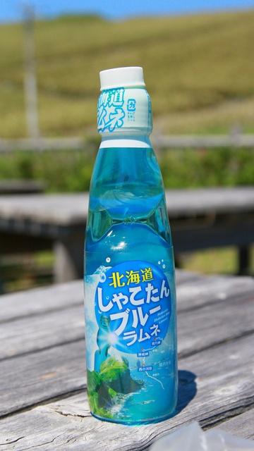 積丹ブルーは舌でも楽しめ! しゃこたんブルーソフト/アイス/ラムネ