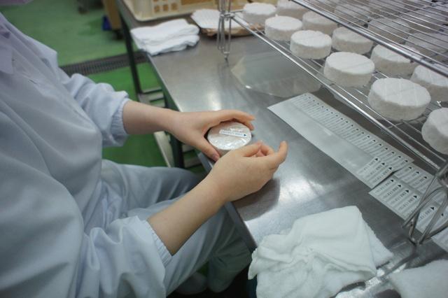 チーズフォンデュも味わえる!黒松内の古城のような工場トワヴェール