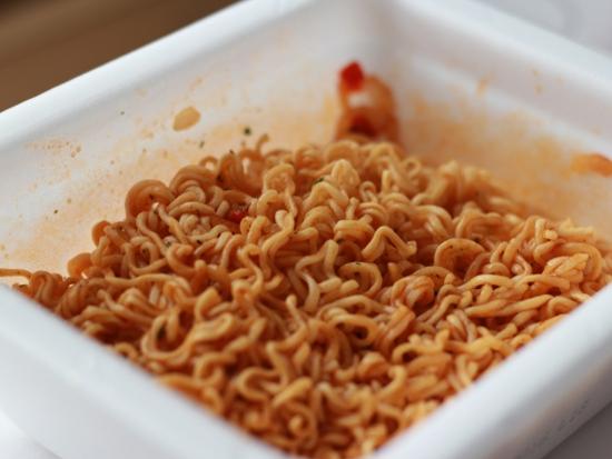 和食・洋食どっちなの?やきそば弁当「ナポリタン味」登場!