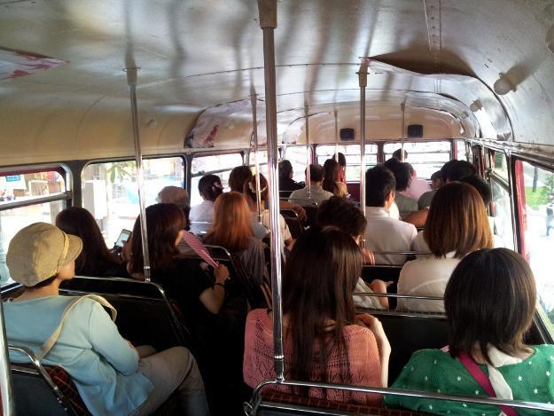 札幌市内をロンドンバスが走る! 8/26までクルージングイベント開催