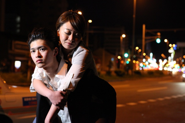舞台はススキノ! 道民の力を結集した道産映画『帰っておいで』公開