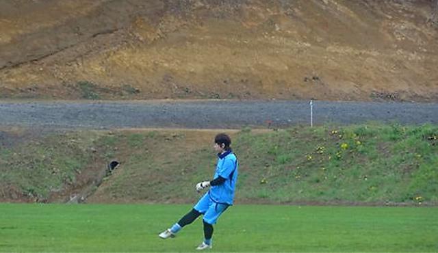海外でプレーする数少ないGK-札幌出身のサッカー選手・麻生弘隆さん