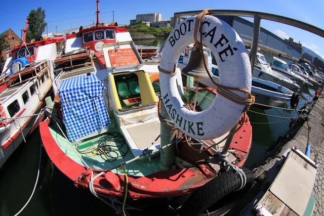 小樽運河に浮かぶカフェをご存知?船上の「カフェ艀(はしけ)」