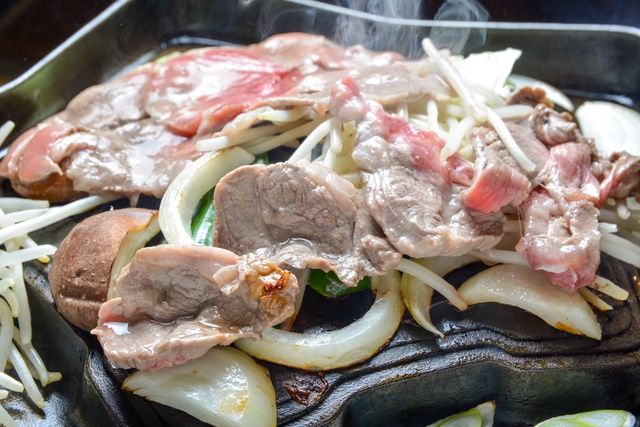 五稜郭型の鍋はなんと店主の自作!函館市「ジンギスカン 陣 Zin」