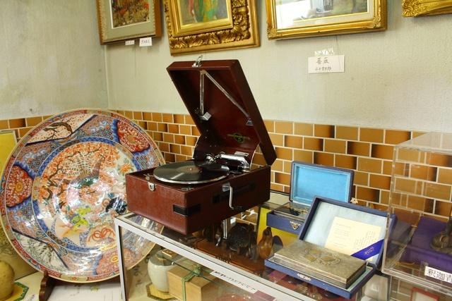 大人でもワクワク!古い玩具や美術品を集めた「古趣 北乃博物館」