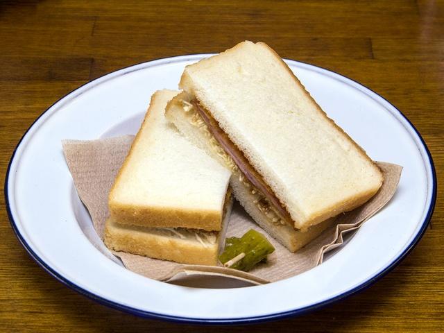 すべてハンドメイドなのに200円から!サンドイッチ専門店「ハサミヤ」
