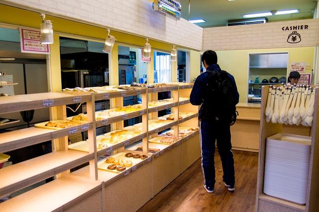 学生だけでなく観光客も訪れる!北大構内の焼き立てパン屋コップパン