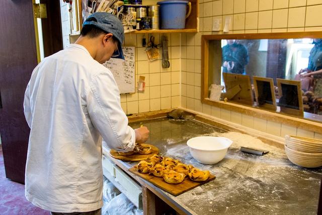 おいしいパンは見た目も美しい。素材と焼き方にこだわったAngeのパン