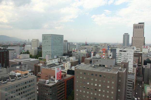 道新屋上は駐車場だった!?札幌市役所屋上から札幌を発見する