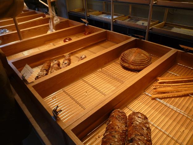 創成川イーストに100%道産小麦使用のパン屋「coron」オープン!