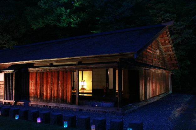 旧島松駅逓所で夜間ライトアップ&無料開放! 寒地稲作成功140年記念で