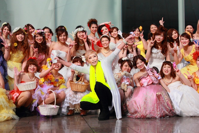 ドレス姿の学生達が街中を華やかに行進!「Sapporo DRESS JACK」開催