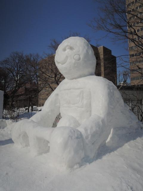 さっぽろ雪まつり市民雪像はどう作ってるの?大学生グループに密着!