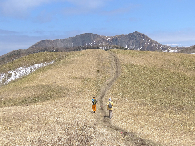ひがし北海道先っちょ紀行(2) 摩周ブルーを堪能!カムイの山「摩周岳」