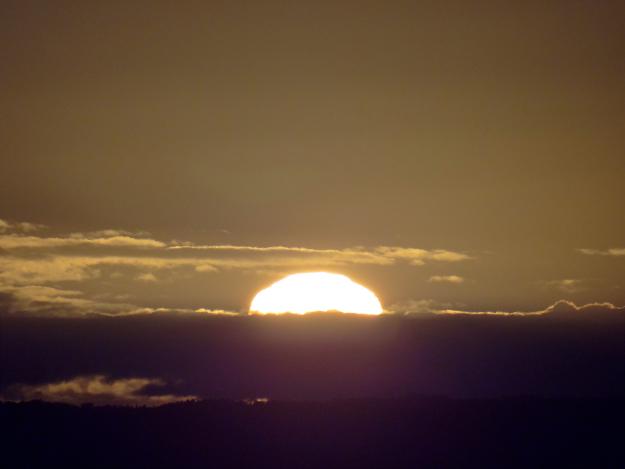 ひがし北海道先っちょ紀行(3) 朝日に輝く湿原の岬「北斗サテライト展望台」