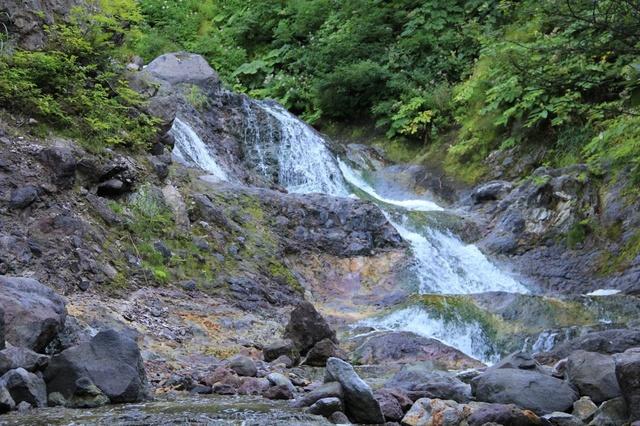 斜里町役場・広木さんに聞く 知床「カムイワッカ湯の滝」の楽しみ方