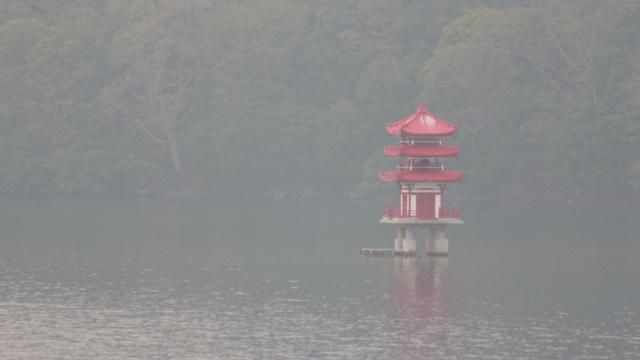 洞爺湖の中島に上陸!夏でも涼しい風が吹く謎スポット「風穴」を探せ