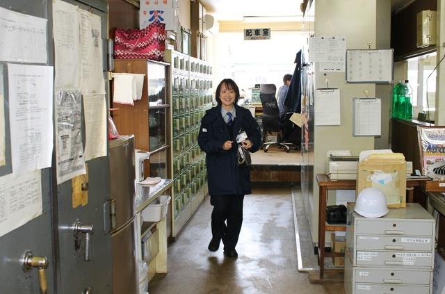 函館市電100年目に、出産をへて復帰した戦後初の女性運転士・平泉さん