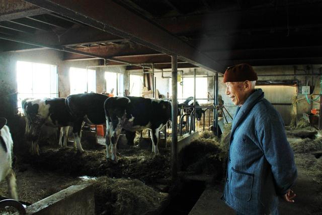 実習生200人の思い綴る「酪農交友録」―八雲の加藤さん今も大切に