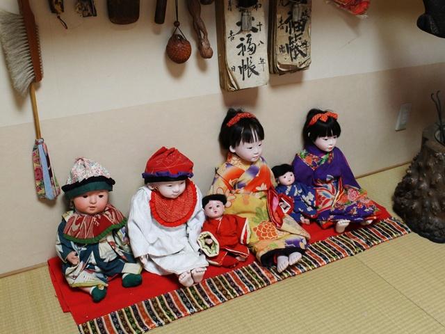 動きも表情も豊かな人形に見入ってしまう!函館「からくり人形館」