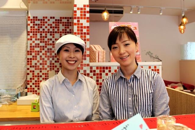 かわいい店内でパフェやサンドイッチを!函館・ストロベリーパルフェ