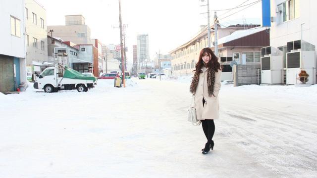 歩幅短く、前に重心を―凍った冬道でも滑って転ばないための12の方法