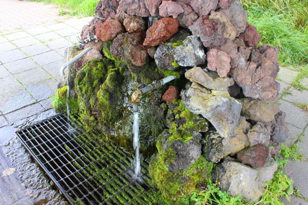 名水百選「甘露泉水」が有名! 利尻島の4つの湧水ポイントを巡ろう!