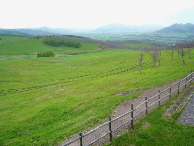 大牧場を360度見渡せる道東の絶景(1) 「900草原展望台」