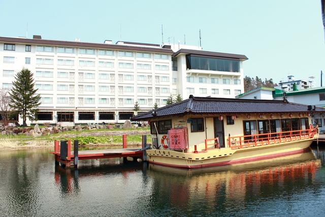 チュウルイ島から景勝地滝口まで―阿寒湖を船でぐるっと一周しよう!