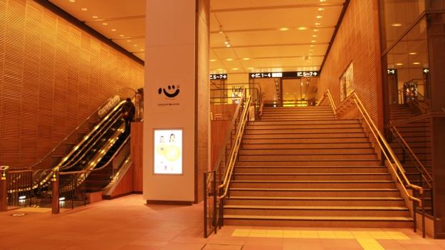 木のぬくもりが心地がよい、新しくなった旭川駅舎