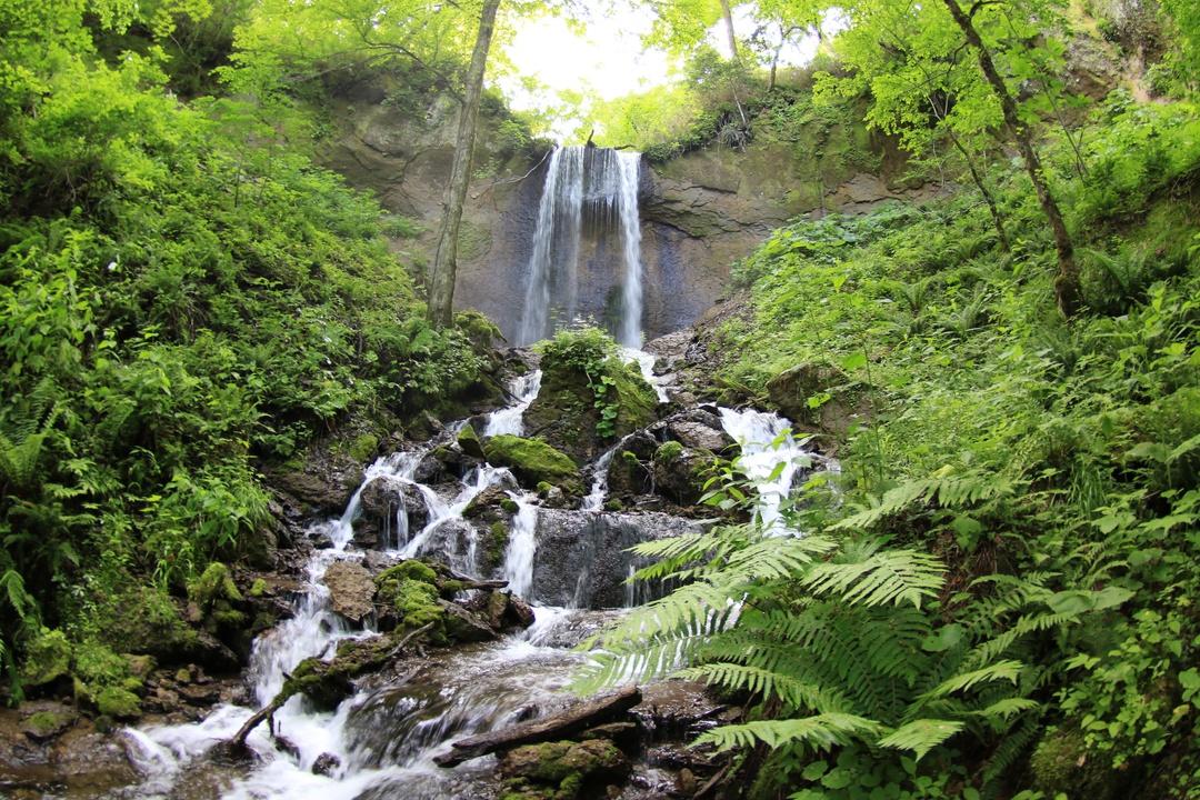 国道から近いのにたどり着けない滝?苫小牧「丸山遠見の滝」