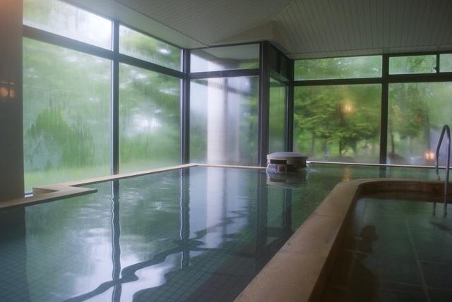 まるでコスメのような温泉!ニセコ「いこいの湯宿いろは」へ美肌の旅