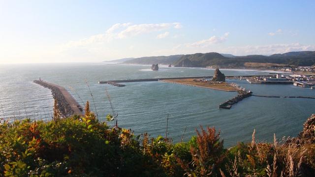 様似海岸を眺めるならどちらがお好き?海側の「エンルム岬」から編