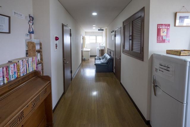 旅人夫婦が開いたのは旅人たちの出会いの場。釧路「ゲストハウス休坂」