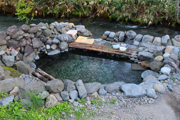 無料混浴露天風呂「からまつの湯」は今や人気に!養老牛温泉