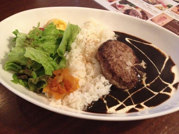 『中島珈琲 美山茶房』の気になるメニュー「クリームラーメン」を食べてみた
