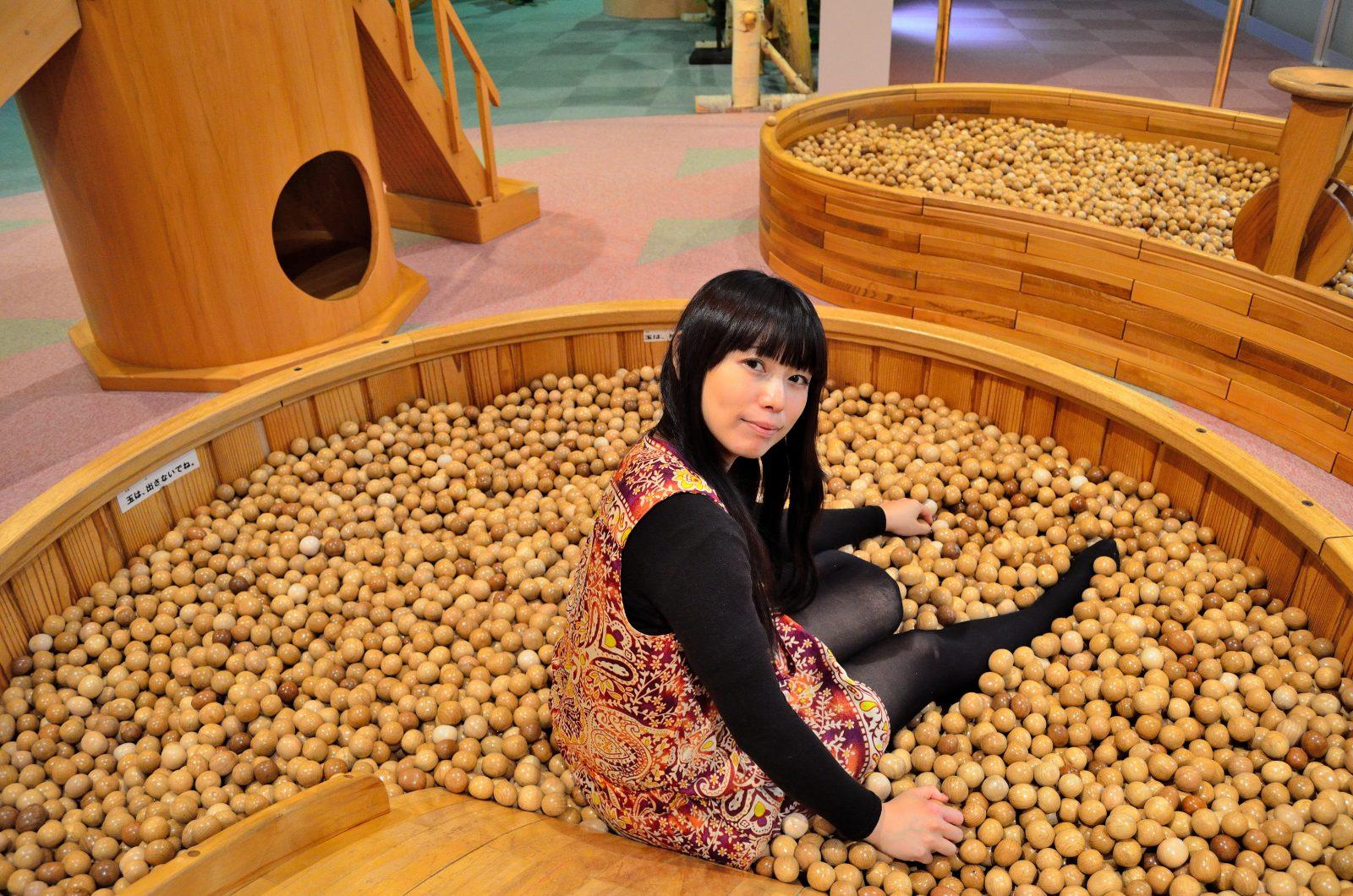 まるで木の遊園地! 森の美術館「木夢」で木のおもちゃと触れ合おう!