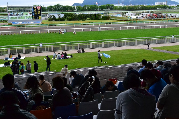 海と山が見える函館競馬場に行こう!