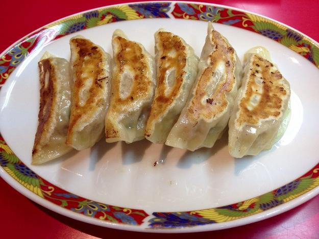 あんかけが乗っかり超ボリューミー!「中華料理 天山」で天山ラーメン