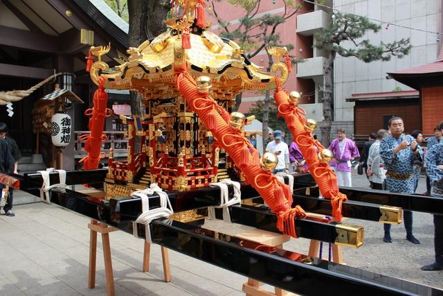 三吉神社例大祭開催!神輿渡御に裃で参加してみた