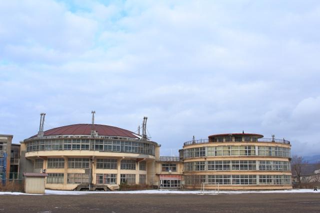 2棟とも残したい!3月で閉校する室蘭・絵鞆小「円形校舎」に潜入!
