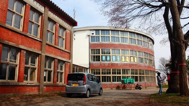 さよなら円形校舎!解体される江別第三小学校の円形校舎に潜入!